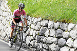 Race leader Maglia Rosa Simon Yates (GBR) Mitchelton-Scott attacks from the front during Stage 15 of the 2018 Giro d'Italia, running 156km from Tolmezzo to Sappada, Italy. 20th May 2018.<br /> Picture: LaPresse/Fabio Ferrari | Cyclefile<br /> <br /> <br /> All photos usage must carry mandatory copyright credit (&copy; Cyclefile | LaPresse/Fabio Ferrari)