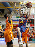 Mad-Croc Fuenlabrada's Charles Garcia (l) and FC Barcelona Regal's   Joe Ingles during Liga Endesa ACB match.November 18,2012. (ALTERPHOTOS/Acero) NortePhoto