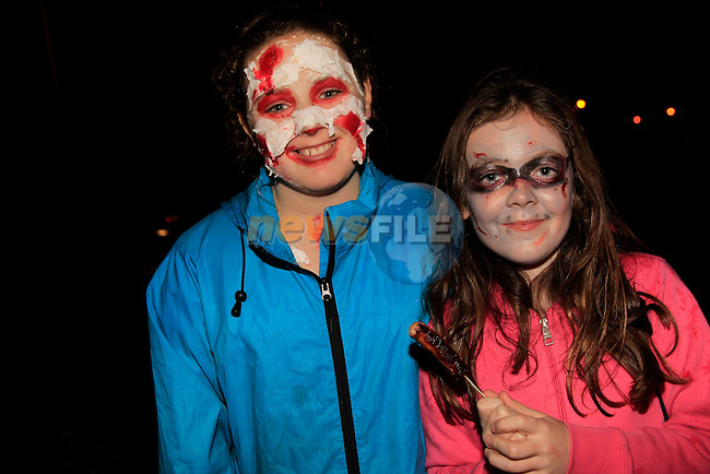 Erica Mitchell and Lucy Flynn at the Halloween Bon Fire in Julianstown Garden<br /> Picture: www.newsfile.ie