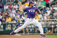 TCU Horned Frogs pitcher Michael Traver (33) delivers a pitch to the plate against the LSU Tigers in Game 10 of the NCAA College World Series on June 18, 2015 at TD Ameritrade Park in Omaha, Nebraska. TCU defeated the Tigers 8-4, eliminating LSU from the tournament. (Andrew Woolley/Four Seam Images)