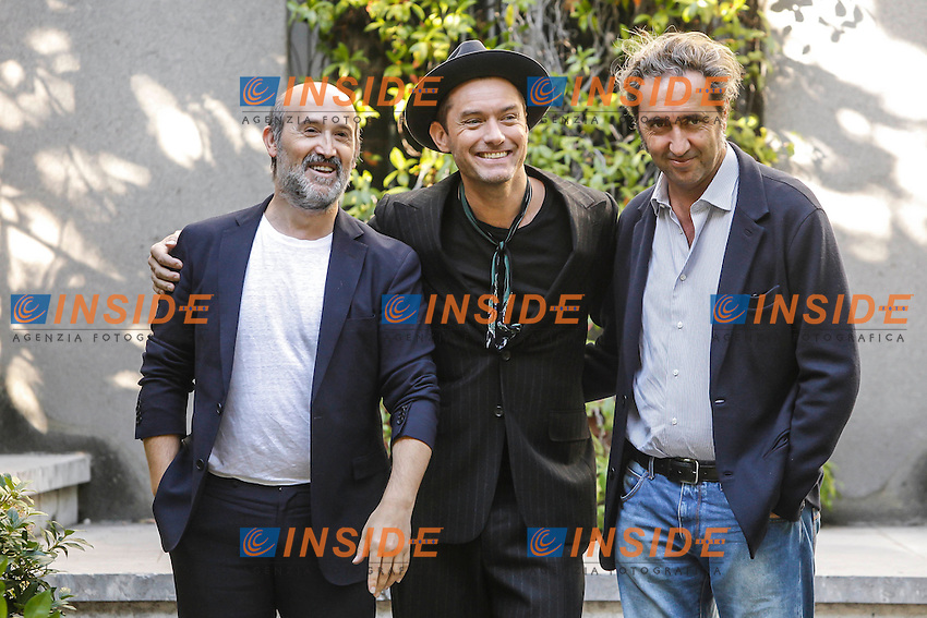 Jude Law, Javier Camara and Paolo Sorrentino attend the Young Pope series photocall at the Italian embassy in Madrid, Spain 11-10-2016<br /> Foto WALTER KOVACS / PANORAMIC / Insidefoto