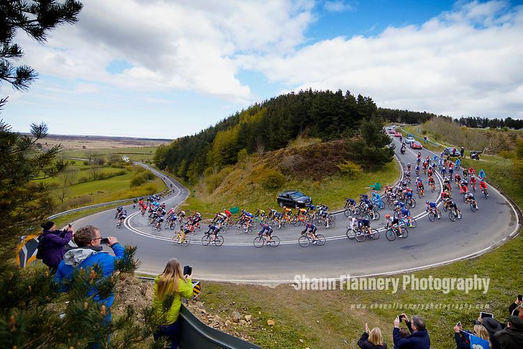 Picture by Shaun Flannery/SWpix.com - 28/04/2017 - Cycling - 2017 Tour de Yorkshire - Stage 1 - Bridlington to Scarborough<br /> <br /> Saltergate Bank