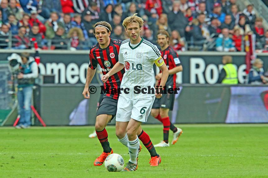 Simon Rolfes (Bayer) gegen Alex Meier (Eintracht) - Eintracht Frankfurt vs. Bayer Leverkusen, Commerzbank Arena