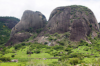 Santo Antonio do Jacinto_MG, Brasil...Montanha rochosa em Santo Antonio do Jacinto, Minas Gerais...The rocky mountain in Santo Antonio do Jacinto, Minas Gerais...Foto: LEO DRUMOND / NITRO.