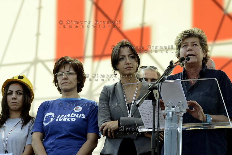 Roma, 20 Ottobre 2012.Piazza San Giovanni.Manifestazione nazionale della CGIL.Il lavoro prima di tutto.La segretaria generale Susanna Camusso