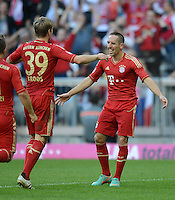 FUSSBALL   1. BUNDESLIGA  SAISON 2012/2013   7. Spieltag FC Bayern Muenchen - TSG Hoffenheim    06.10.2012 Jubel nach dem Tor zum 2:0 Toni Kroos und Franck Ribery (v. li., FC Bayern Muenchen)