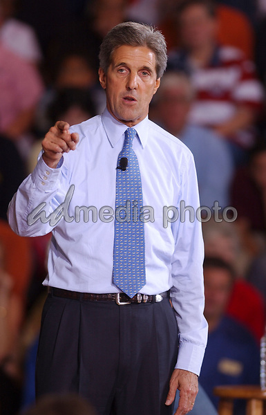 Oct 03, 2004; Austintown, OH, USA; Presidential Candidate Senator JOHN KERRY during a Town Hall Meeting on Jobs and the Economy held at Austintown Fitch High School. Mandatory Credit: Photo by Laura Farr/AdMedia. (©) Copyright 2004 by Laura Farr