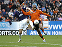 23/02/2008    Copyright Pic: James Stewart.File Name : sct_jspa08_dundeee_utd_v_falkirk.MARK DE VRIES TRIES TO GO PAST KENNY MILNE.James Stewart Photo Agency 19 Carronlea Drive, Falkirk. FK2 8DN      Vat Reg No. 607 6932 25.Studio      : +44 (0)1324 611191 .Mobile      : +44 (0)7721 416997.E-mail  :  jim@jspa.co.uk.If you require further information then contact Jim Stewart on any of the numbers above........