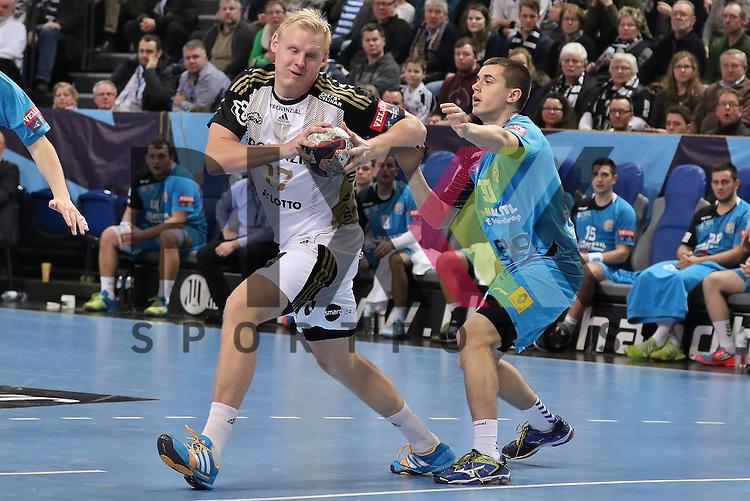 Kiel, 15.02.15, Sport, Handball, Champions League, Gruppenphase, THW Kiel - HC Metalurg Skopje : Patrick Wiencek (THW Kiel, #17), Martin Velkovski (HC Metalurg Skopje, #30)<br /> <br /> Foto &copy; P-I-X.org *** Foto ist honorarpflichtig! *** Auf Anfrage in hoeherer Qualitaet/Aufloesung. Belegexemplar erbeten. Veroeffentlichung ausschliesslich fuer journalistisch-publizistische Zwecke. For editorial use only.