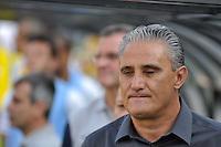 SÃO PAULO, SP, 26 AGOSTO DE 2012 - CAMPEONATO BRASILEIRO - CORINTHIANS x SÃO PAULO: Tite durante partida Corinthians x São Paulo,  válida pela 19ª rodada do Campeonato Brasileiro de 2012, em partida disputada no Estádio do Pacaembu em São Paulo. FOTO: LEVI BIANCO - BRAZIL PHOTO PRESS