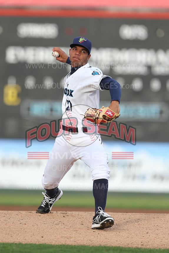Jefferson Medina #27 of the Everett AquaSox pitches against the Boise Hawks at Everett Memorial Stadium on July 22, 2014 in Everett, Washington. Everett defeated Boise, 6-0. (Larry Goren/Four Seam Images)