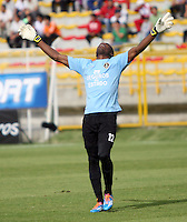 BOGOTA -COLOMBIA. 06-04-2014. Andres Mosquera guardameta de Fortaleza F.C.  celebra el gol contra  La Equidad partido por la quinceava  fecha de La liga Postobon 1 disputado en el estadio Metropolitano de Techo . /  Andres Mosquera goalkeeper of Fortaleza F.C.     celebrates  goal   against La Equidad of fifteenth round during the match  of The Postobon one league  at the Metropolitano of Techo Stadium . Photo: VizzorImage/ Felipe Caicedo / Staff