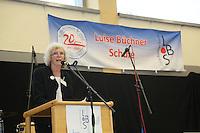 Schulleiterin Sabine Koch bei der Begrüßung