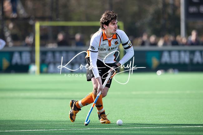 BLOEMENDAAL - HOCKEY - Robert van der Horst van OZ  tijdens de hoofdklasse competitiewedstrijd tussen de mannen van Bloemendaal en Oranje-Zwart (2-2). FOTO KOEN SUYK