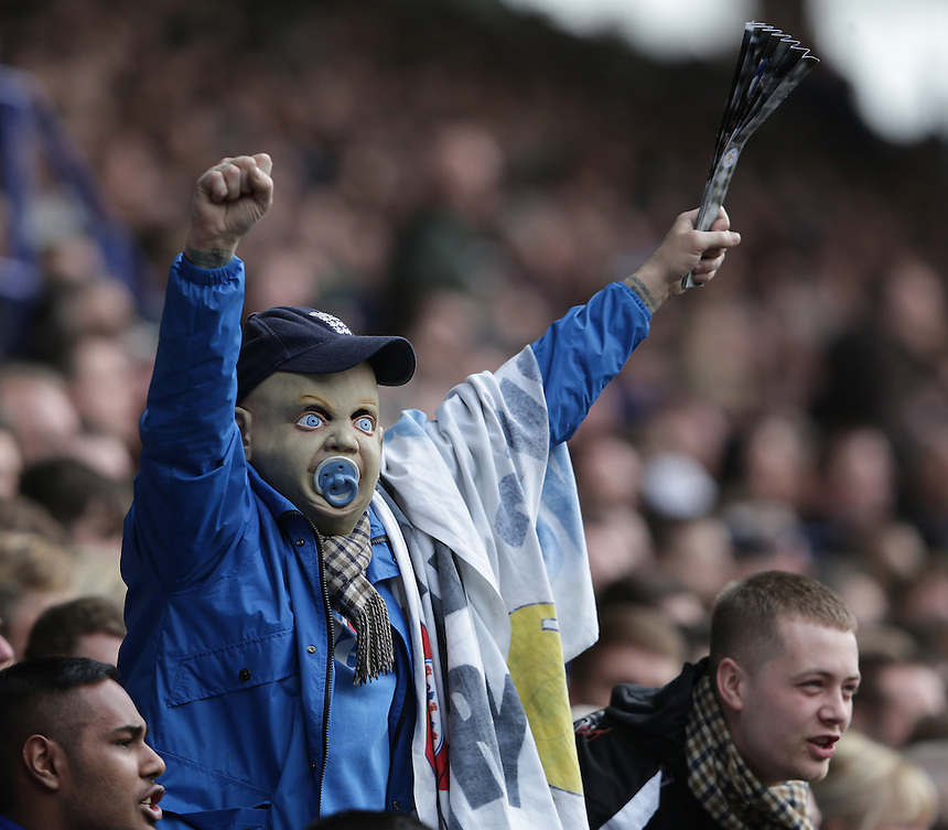 Leicester City fans celebrate their teams 1-0 victory<br /> <br /> Photographer Stephen White/CameraSport<br /> <br /> Football - Barclays Premiership - Leicester City v Southampton - Sunday 3rd April 2016 - King Power Stadium - Leicester<br /> <br /> &copy; CameraSport - 43 Linden Ave. Countesthorpe. Leicester. England. LE8 5PG - Tel: +44 (0) 116 277 4147 - admin@camerasport.com - www.camerasport.com