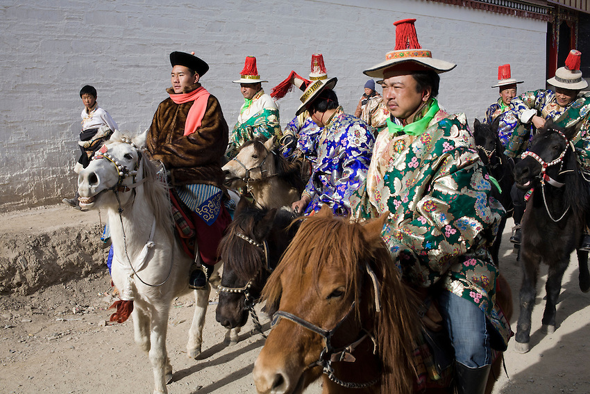 During the celebrations of the tibetan  Religious New Year (Monlam,) in the city of Xiahe, under full control by the chinese police, the ancient tibeto-mongolian cavalry plays its role of the monastery protector. Frebruary 5 2012