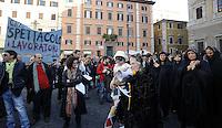 Roma, 30 Marzo 2009.Piazza Farnese.Manifestazione contro i tagli al fondo unico per lo spettacolo..Rome, 30 March 2009.Piazza Farnese.Demonstration against the cuts to fund for the show and culture.
