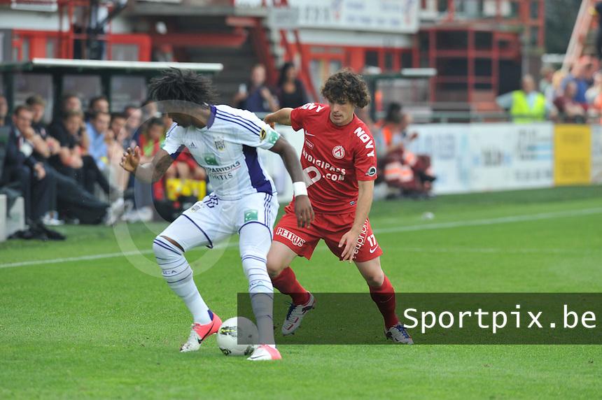 KV Kortrijk - RSC Anderlecht : Kanu aan de bal voor Gertjan De Mets.foto David Catry / VDB /