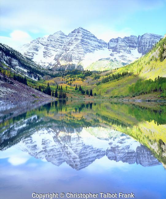 USA, Colorado,. Rocky Mountains, Maroon Bells reflecting in Maroon Lake.
