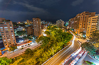 CALI - COLOMBIA: Panorámicas nocturnas del sector Oeste de la ciudad de Cali, Colombia. / Night panoramics of the west of Cali, Colombia. Photo: VizzorImage/ Gabriel Aponte / Staff