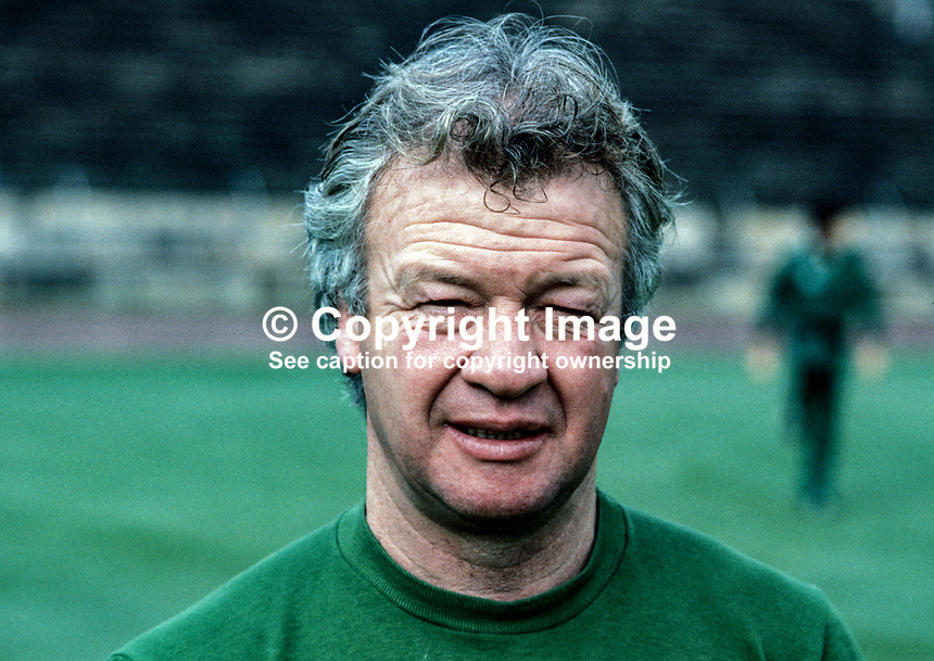 Billy Bingham, manager, N Ireland football team, 198011000366d..Copyright Image from Victor Patterson, 54 Dorchester Park, Belfast, UK, BT9 6RJ..Tel: +44 28 9066 1296.Mob: +44 7802 353836.Voicemail +44 20 8816 7153.Skype: victorpattersonbelfast.Email: victorpatterson@mac.com.Email: victorpatterson@ireland.com (back-up)..IMPORTANT: If you wish to use this image or any other of my images please go to www.victorpatterson.com and click on the Terms & Conditions. Then contact me by email or phone with the reference number(s) of the image(s) concerned.