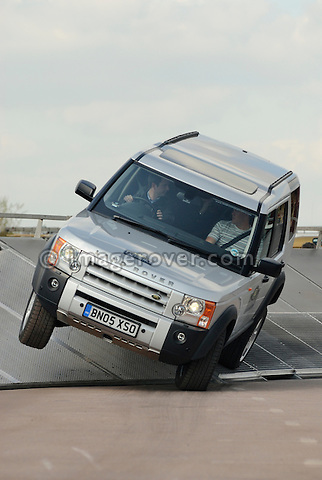 Land Rover Experience driving school at the Gaydon Heritage Land Rover Show 2006. Europe, England, UK. --- No releases available. Automotive trademarks are the property of the trademark holder, authorization may be needed for some uses.