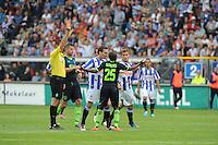 VOETBAL: HEERENVEEN: Abe Lenstra Stadion, 02-09-2012, Eredivisie 2012-2013, SC Heerenveen - Ajax, Eindstand 2-2, Scheidsrechter Pol van Boekel, Toby Alderweireld (#3 | Ajax), Sven Kums (#10 | SCH), Thulani Serero (#25 | Ajax) krijgt een rode kaart, Alfreð Finnbogason (#11 | SCH), ©foto Martin de Jong