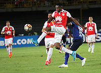 BOGOTÁ -COLOMBIA, 18-09-2018Hector Urrego (Izq.) jugador de Independiente Santa Fe  de Colombia disputa el balón con Juan Salazar (Der.) jugador  de  Millonarios de Colombia durante partido por los octavos de final ,llave A,  de La Copa Conmebol Sudamericana 2018,jugado en el estadio Nemesio Camacho El Campín de la ciudad de Bogotá./Hector Urrego (L) Player of Independiente Santa Fe of Colombia disputes the ball withJuan Salazar (R) player of Millonarios of Colombia during game for the knockout round, key A, of the Conmebol Sudamericana Cup  2018, played at the Nemesio Camacho stadium The Campín of the city of Bogotá. Photo: VizzorImage/ Felipe Caicedo / Staff