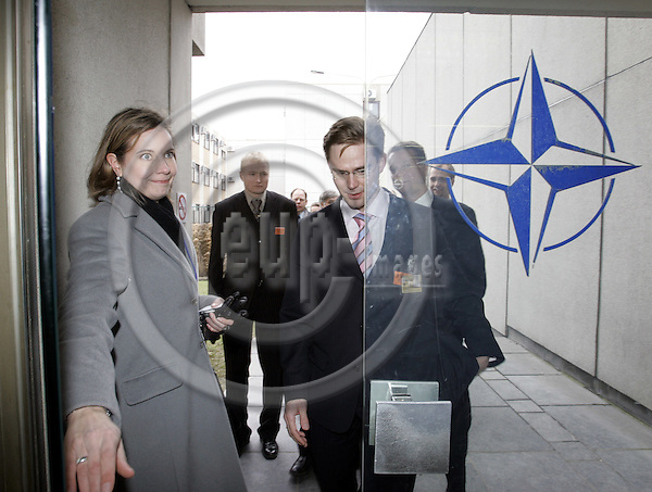BRUSSELS - BELGIUM - 11 MARCH 2005-- Jyrki KATAINEN the Chairman of the Finnish Coalition Party entering the NATO Headquarters with Mia ARO-SANCHEZ (L) the Attacee of the Finnish Mission to NATO. -- PHOTO: JUHA ROININEN / EUP-IMAGES