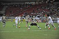 SÃO LOURENÇO DA MATA, PE,  07 DE JULHO DE 2013 - CAMPEONATO BRASILEIRO SÉRIE A - BOTAFOGO X FLUMINENSE -  Lance de partida entre Botafogo x Fluminense durante o jogo, válido pela 6ª  rodada do campeonato brasileiro 2013 série A, na Itaipava Arena Pernambuco, neste domingo (07), na zona região metropolitana da cidade do Recife. FOTO: LÍBIA FLORENTINO/ BRAZIL PHOTO PRESS