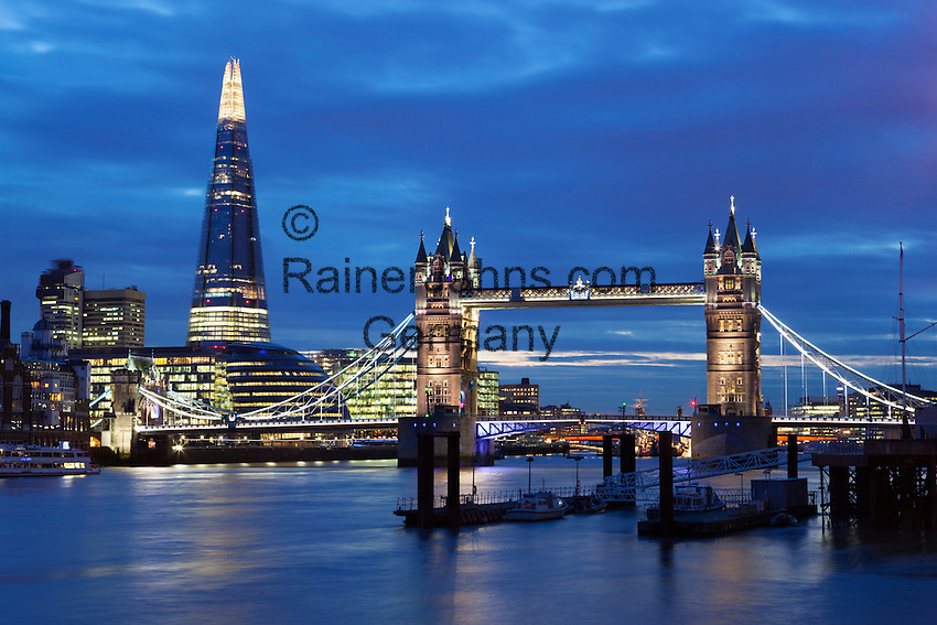 United Kingdom, London: Tower Bridge over the River Thames and The Shard | Grossbritannien, England, London: die Tower Bridge ueber die Themse und The Shard