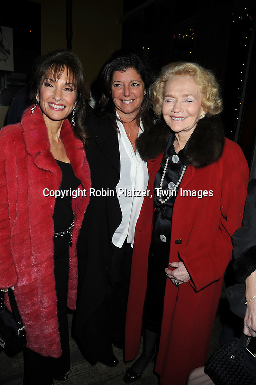 Susan Lucci, Julie Hanan Carruthers and Agnes Nixon