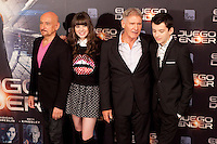 US actor Ben Kingsley (L), actress Hailee Steinfeld, Harrison Ford and Asa Butterfield (R) pose during a photocall for the film Ender's Game in Madrid on October 3, 2013. (ALTERPHOTOS/Victor Blanco)