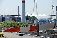 GERMANY Hamburg, construction of new Nordex wind turbine at treatment plant of Hamburg Wasser, the local water supplier / DEUTSCHLAND Hamburg, Aufbau einer Nordex Windkraftanlage auf dem Gelaende Klaerwerk Koehlbrandhoeft von Hamburg Wasser, Anlieferung Nordex Rotorblaetter - More images as 120 MB Tiff available!
