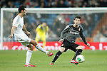 Real Madrid´s Arbeloa (L) and Espanyol´s Pizzi during Spanish Copa del Rey (King's Cup) quarterfinal second-leg football match in Santiago Bernabeu stadium in Madrid, Spain. January 28, 2014. (ALTERPHOTOS/Victor Blanco)