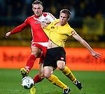 Nederland, Kerkrade, 21 september 2012.Eredivisie.Seizoen 2012-2013.Roda JC-FC Utrecht.Leon de Kogel (l.) van FC Utrecht en Bart Biemans (r.) van Roda JC strijden om de bal.