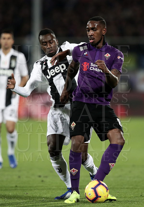 Calcio, Serie A: Fiorentina - Juventus, stadio Artemio Franchi Firenze 1 dicembre 2018.<br /> Fiorentina's Gerson Santos da Silva (r) in action with Juventus Blaise Matuidi (l) during the Italian Serie A football match between Fiorentina and Juventus at Florence's Artemio Franchi stadium, December 1, 2018.<br /> UPDATE IMAGES PRESS/Isabella Bonotto