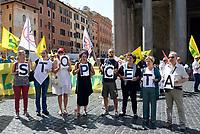 Rom, 27 Giugno 2017<br /> Manifestazione al Pantheon contro il CETA, Comprehensive Economic and Trade Agreement, tra Europa e Canada