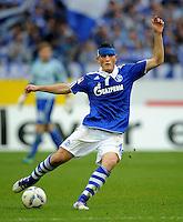 FUSSBALL   1. BUNDESLIGA   SAISON 2011/2012    11. SPIELTAG FC Schalke 04 - 1899 Hoffenheim                            29.10.2011 Kyriakos PAPADOPOULOS  (Schalke) Einzelaktion am Ball