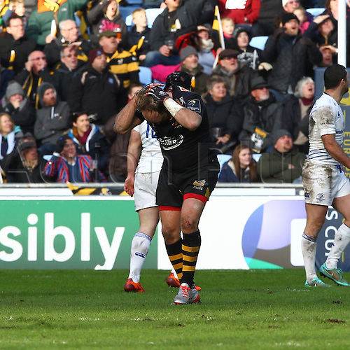 24.01.2015.  Coventry, England.  European Rugby Champions Cup. Wasps versus Leinster.  Andy Goode (Wasps) puts his hands to his head in despair after missing a last minute drop-goal attempt that would have won Wasps the match.