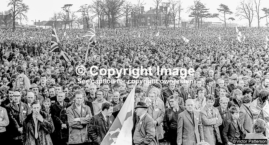 Section of the massive attendance at the Ulster Vanguard Rally in Ormeau Park, Belfast, N Ireland, 18th March 1972, 19720318010104<br />