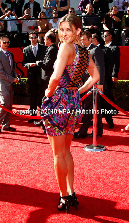 LOS ANGELES - JUL 14:  Jill Wagner arrives at the 2010 ESPY Awards at Nokia Theater - LA Live on July14, 2010 in Los Angeles, CA ....