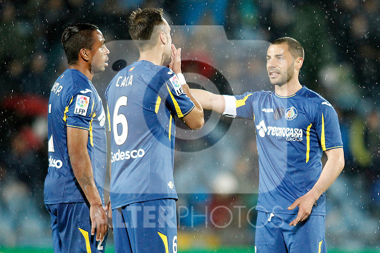 Getafe's Wanderson, Juan Cala and Mehdi Lacen during La Liga match. March 18,2016. (ALTERPHOTOS/Acero)
