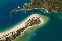 Turkey, Mula, Olu Deniz near Fethiye: Aerial view over Lagoon Beach | Tuerkei, Mula, Olu Deniz bei Fethiye: Luftaufnahme der blauen Lagune