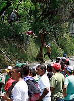 MARMATO - COLOMBIA - 17-07-2013: Mineros del país salieron a protestar en las vías, en la población de Marmato , en la via Bogota- Medellin, julio 17de 2013. (Foto: VizzorImage / Yonboni / Str.) Miners of the country came to protest on the tracks, in the town of Marmato, in the road Bogota-Medellin, July 17 th 2013. (Photo: VizzorImage / Yonboni / Str)