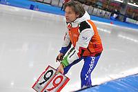 SCHAATSEN: BERLIJN: Sportforum, 08-12-2013, Essent ISU World Cup, Jeroen Otter (coach NED), rondebord, ©foto Martin de Jong