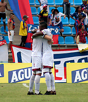 SANTA MARTA-COLOMBIA, 14-09-2019: Jugadores de Deportes Tolima, celebran el gol anotado a Unión Magdalena, durante partido entre Unión Magdalena y Deportes Tolima, de la fecha 11 por la Liga Águila II 2019, jugado en el estadio Sierra Nevada de la ciudad de Santa Marta. / Players of Deportes Tolima, celebrate the scored goal to Unión Magdalena, during a match between Union Magdalena and Deportes Tolima, of the 11th date for the Aguila Leguaje II 2019 played at the Sierra Nevada Stadium in Santa Marta city. Photo: VizzorImage / Gustavo Pacheco / Cont.