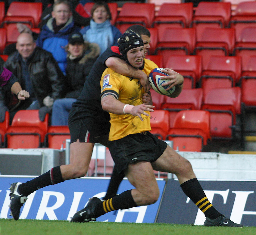 Photo: Jo Caird.Saracens V Wasps .Zurich Premiership 2003/4.26/10/2003..James Haskell.