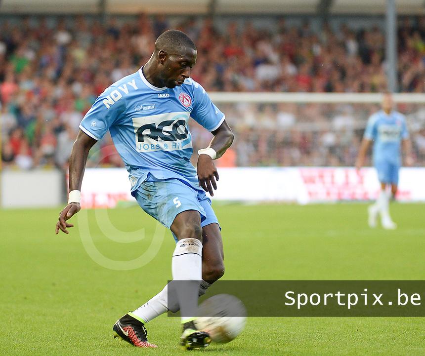 KV Kortrijk  : Alassane Tambe<br /> foto VDB / BART VANDENBROUCKE