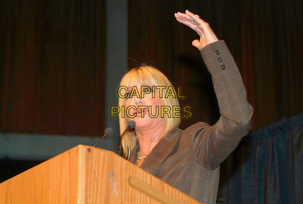"SUZANNE SOMERS.Suzanne Somers shares her expertise on menopause and excerpts from her book ""The Sexy Years"" during the Total Balance Show at the Hamilton Convention Centre, Hamilton, Ontario, Canada, 14 October 2006..half length speaking microphone funny hand arm raised up gesture.Ref: ADM/BP.www.capitalpictures.com.sales@capitalpictures.com.©Brent Perniac/AdMedia/Capital Pictures."
